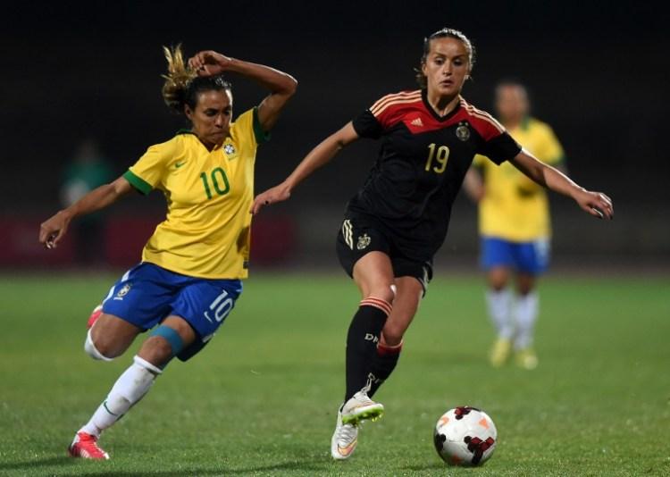 dfb frauen fu ball heute 4 0 l nderspiel deutschland gegen brasilien in f rth aufstellung. Black Bedroom Furniture Sets. Home Design Ideas