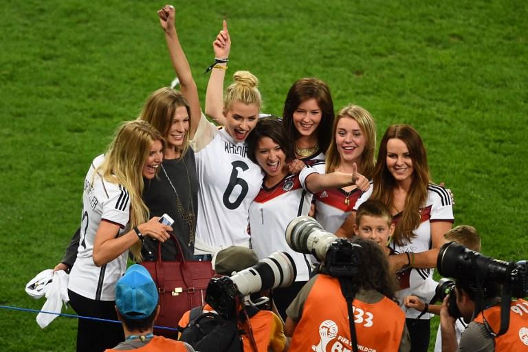 DFB Spielerfrauen nach dem WM-Finale 2014
