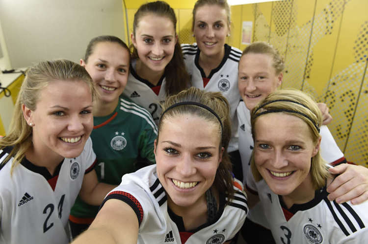 Deutschlandtrikot der Damen (Foto adidas Presse)