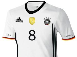 Das neue DFB Trikot (Copyright Express)