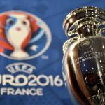 Foto vom Henri Delaunay Cup, der Tropäe der UEFA European Football Championship. AFP PHOTO / FRANCK FIFE