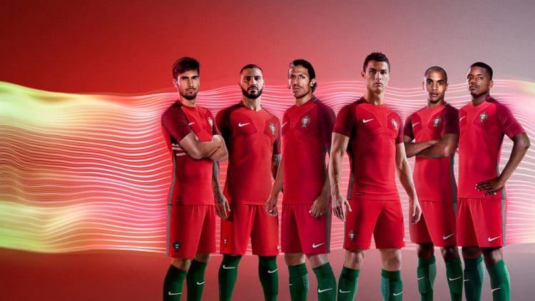 Das Heimtrikot von Portugal in rot