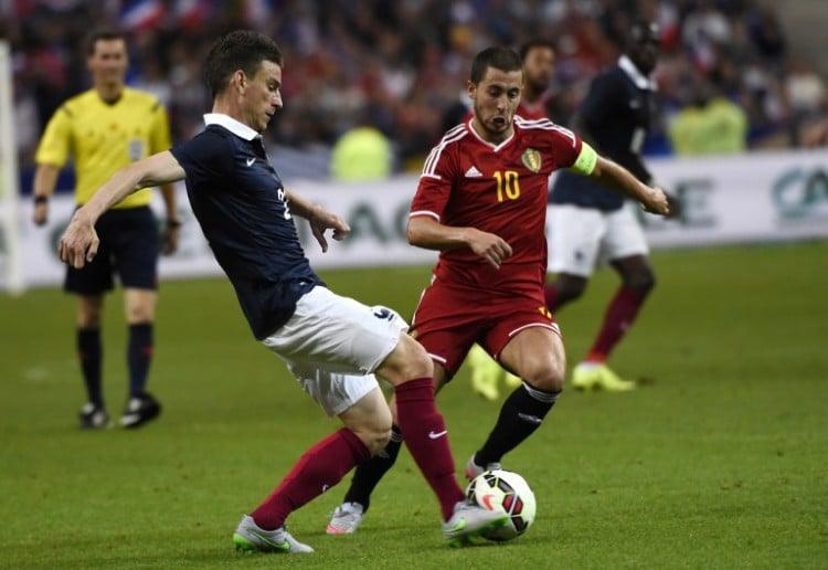 Belgiens Kapitän Eden Hazard (R) im Freundschaftsspiel gegen Frankrteich im Stade-de-France stadium in Saint-Denis, outside Paris. AFP PHOTO / LOIC VENANCE