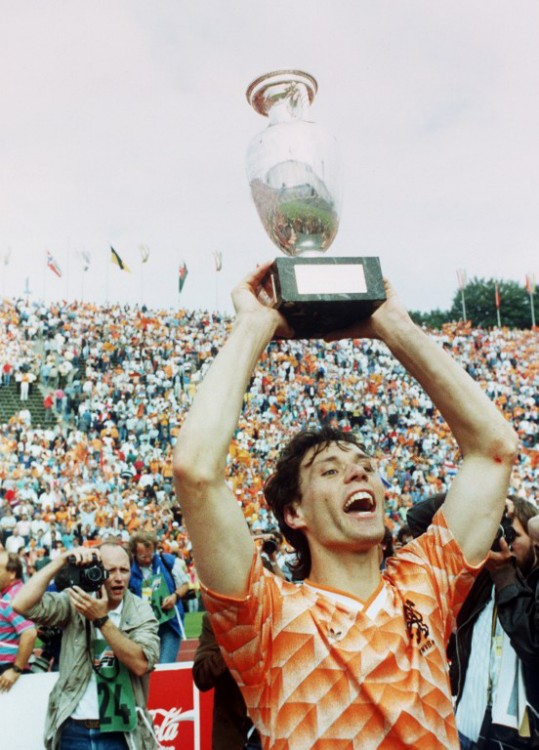 Marco Van Basten nach dem 2:0 Sieg gegen die UdSSR bei der EURO 1988 am 25. Juni 1988 in München. AFP PHOTO