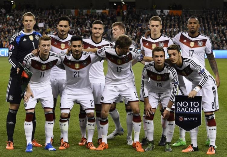 Die deutsche Startelf gegen Irland (AFP PHOTO / TOBIAS SCHWARZ)