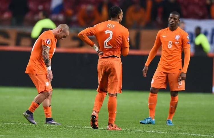 Große Enttäuschung bei den Niederlanden nach der verpassten EM-Qualifikation 2016. Auch in der Weltrangliste ist man aktuell (Juli 2017) nur noch Mittelmaß. AFP PHOTO/Emmanuel Dunand
