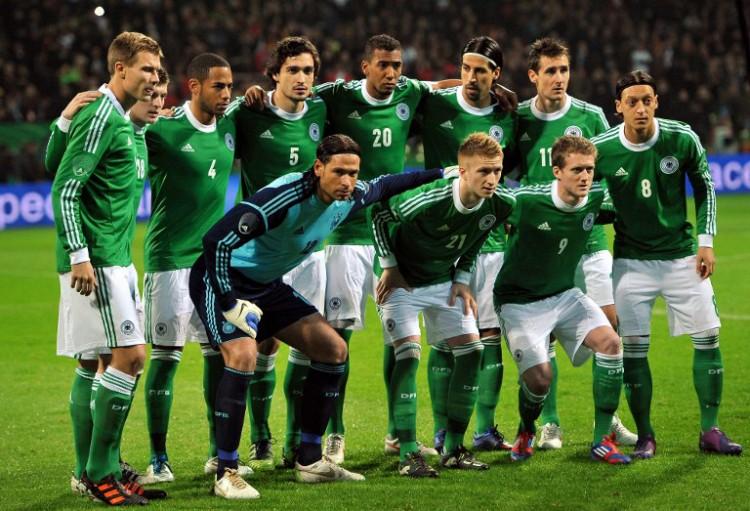 Deutschland gegen Frankreich am 29.Februar 2012 im Weserstadion in Bremen. Frankreich gewinnt 2:1. AFP PHOTO / FRANCK FIFE