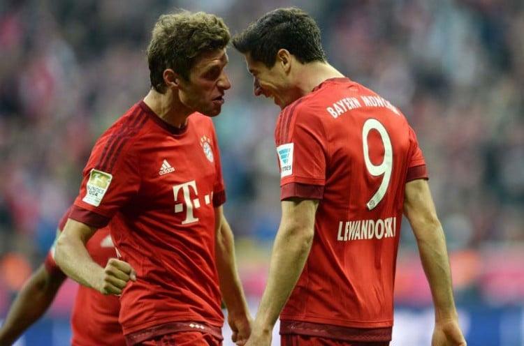 Fußball heute: Bayerns Robert Lewandowski und Thomas Müller - heute nicht zusammen auf dem Spielfeld. AFP PHOTO / CHRISTOF STACHE