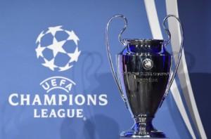 Der UEFA Champions League Pokal. AFP PHOTO / TOBIAS SCHWARZ