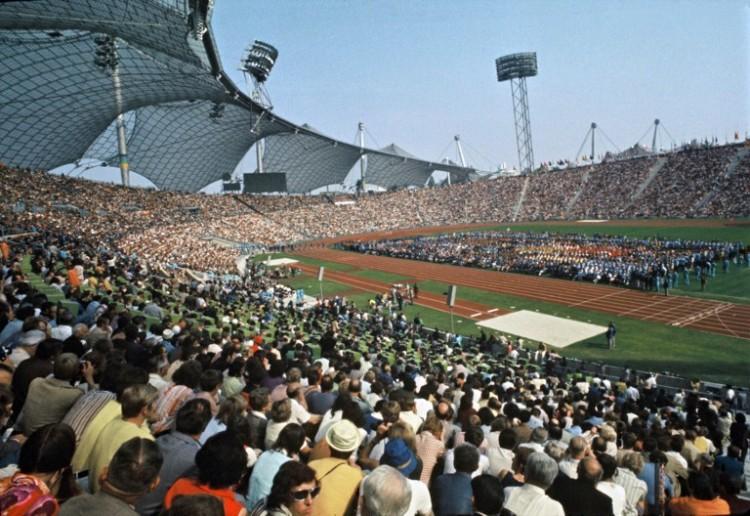 Das Olympiastadion München bei Olympia 1972 am Tag der Eröffnung / AFP / -