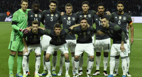 Deutschland Trikot 2016 gegen Italien + Trainingskleidung