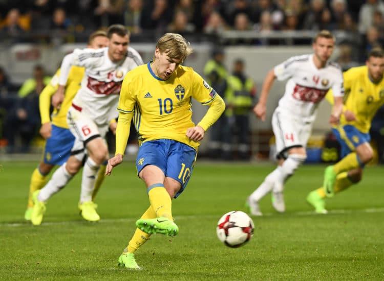 Schwedens Emil Forsberg (C) beim 4:0 gegen Weißrussland am 25.März 2017. / AFP PHOTO / Jonathan NACKSTRAND
