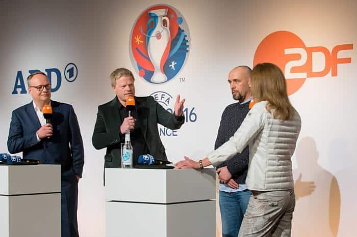 Das Moderatoren-Team des ZDF bei der EM 2016 in Frankreich. (Copyright: ZDF/Svea Pietschmann)