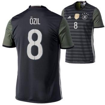 Deutschland Trikot von Mesut Özil
