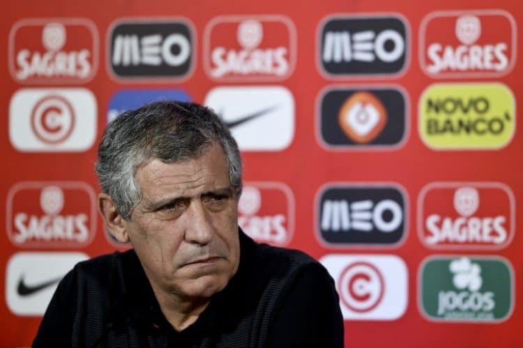 Portugal's Cheftrainer Fernando Santos am 28.März 2016 bei der Pressekonferenz vor dem Länderspiel gegen Belgien. / AFP PHOTO / PATRICIA DE MELO MOREIRA