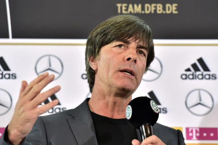 Bundestrainer Joachim Löw auf der DFB-Pressekonferenz in der französischen Botschaft am 17.Mai 2016. / AFP PHOTO / John MACDOUGALL