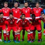 Fußball heute um 15 Uhr: Die Schweizer Nationalmannschaft heute gegen Wales / AFP PHOTO / ATTILA KISBENEDEK