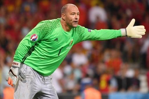 Ungarns Torwart Gabor Kiraly beim Achtelfinale-spiel gegen Belgien in  Toulouse am 26.Juni 2016.   / AFP PHOTO / PASCAL GUYOT