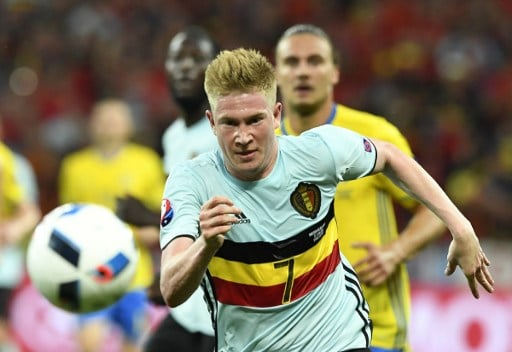 Belgium's midfielder Kevin De Bruyne runs for the ball during the Euro 2016 group E football match between Sweden and Belgium at the Allianz Riviera stadium in Nice on June 22, 2016. / AFP PHOTO / JONATHAN NACKSTRAND