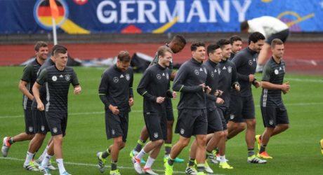 DFB Pressekonferenz Liveticker heute ab 15:45 Uhr im n-tv Livestream – adidas stellt weiter Deutschland Trikots bereit