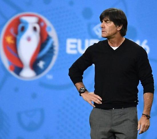 Bundestrainer Joachim Löw geht bei der WM in Russland wahrscheinlich in sein 6. großes Turnier als Cheftrainer des DFB. (FOTO AFP)