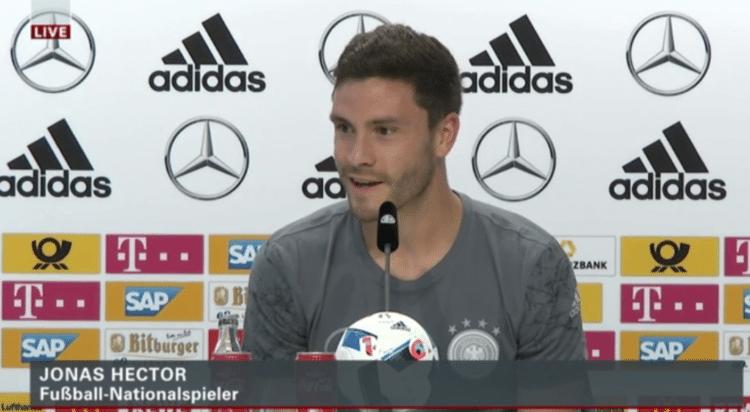 DFB Pressekonferenz mit Jonas Hector