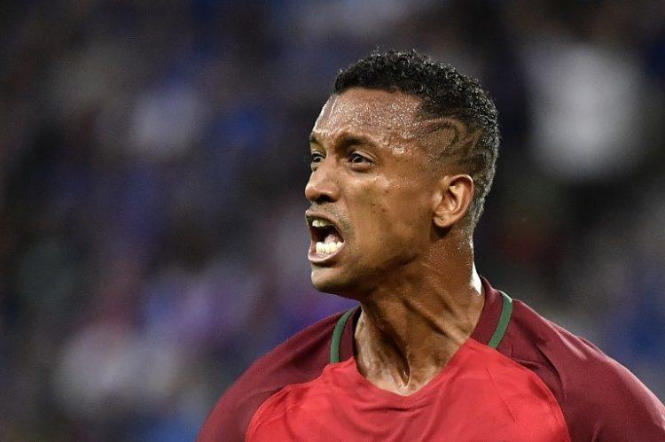 Portugal's Nani schießt das 1:0 gegen Island! / AFP PHOTO / jeff pachoud