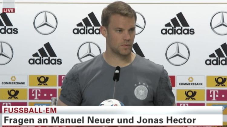 DFB Pressekonferenz mit Manuel Neuer