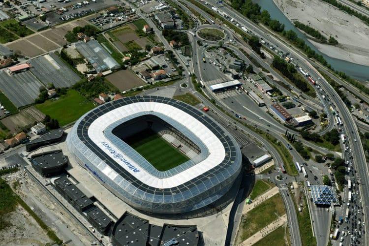 """Das EM-Stadion von Nice """"Stade Allianz Riviera"""". / AFP PHOTO / EUROLUFTBILD / Robert Grahn"""