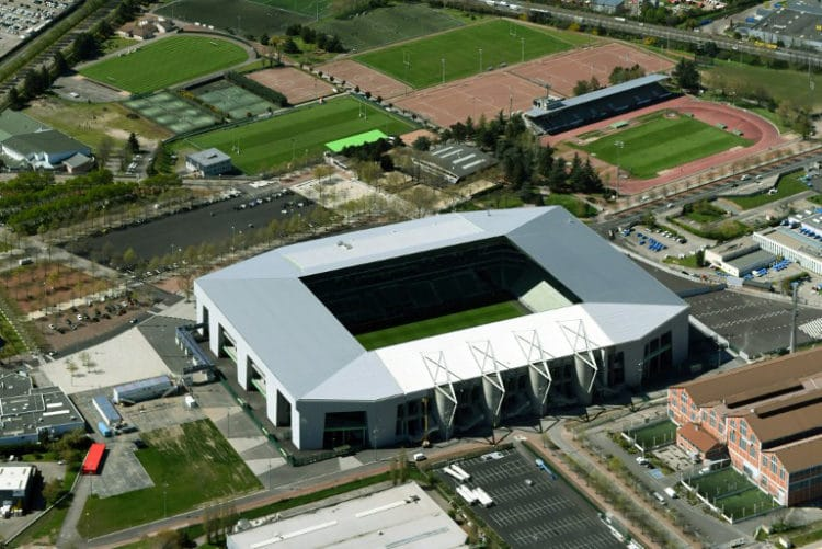 "Das EM-Fussballstadion von Saint-Etienne ""Stade Geoffroy-Guichard"". / AFP PHOTO / EUROLUFTBILD / Robert Grahn / ALTERNATIVE CROP"