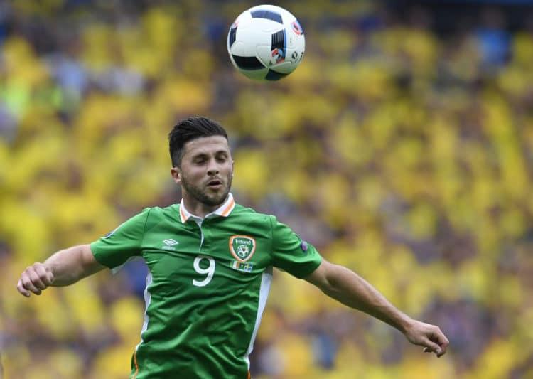 Irland's Stürmer Shane Long gegen Schweden im Stade de France in Saint-Denis am 13.Juni 2016. / AFP PHOTO / MIGUEL MEDINA