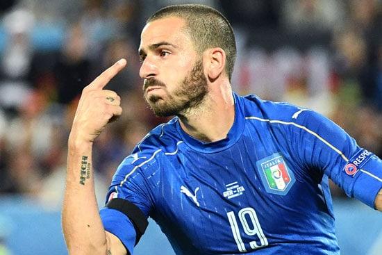 Leonardo Bonucci erzielt das 1:1 durch Handelfmeter - Neuer war fast dran! VINCENZO PINTO / AFP