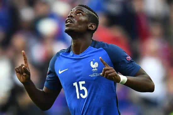 Paul Pogba erzielt das 2:0 für Frankreich gegen Island / AFP PHOTO / FRANCK FIFE