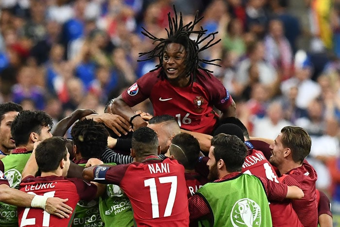 Portugal's Renato Sanches jubelt - Portugal ist Europameister 2016! / AFP PHOTO / FRANCK FIFE