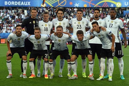 Die deutsche Startaufstellung gegen Italien. PATRIK STOLLARZ / AFP