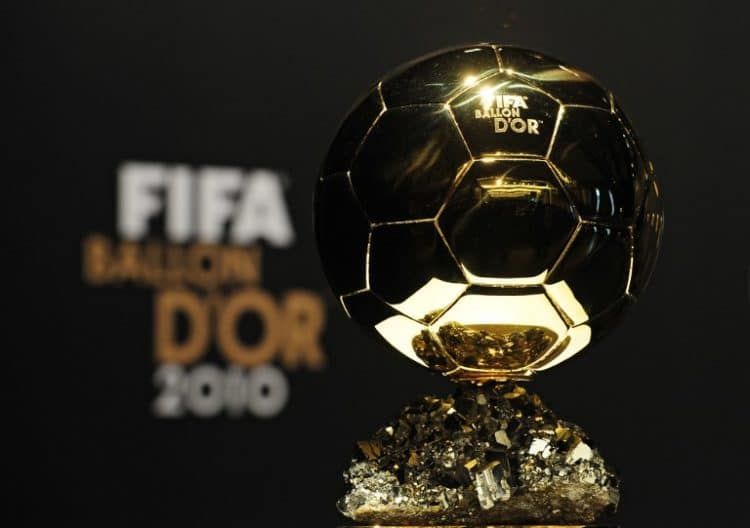 The FIFA Ballon d'Or trophy sits on show during a press conference by the finalists of the 2011 FIFA Ballon d'Or prior to the World Player Gala 2011 award ceremony on January 10, 2011 in Zurich. AFP PHOTO / FRANCK FIFE