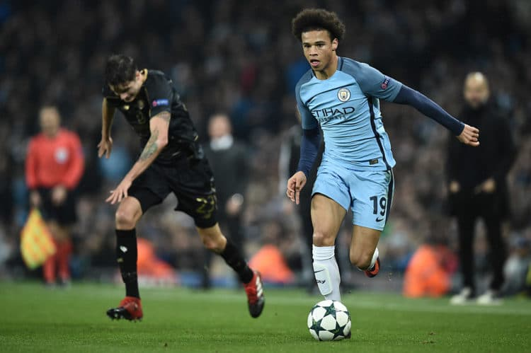 Manchester City's Leroy Sane (R) in der UEFA Champions League gegen Celtic im Etihad Stadium in Manchester am 6.Dezember 2016. / AFP PHOTO / Oli SCARFF