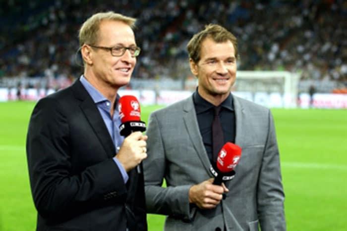 Präsentieren die WM 2018 Qualifikationsspiele: Florian König (l.) und Jens Lehmann Foto: RTL / Guido Engels
