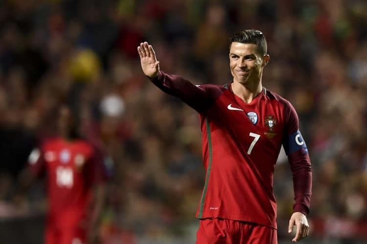 Portugal's Cristiano Ronaldo beim Spiel gegen Ungarn in Lissabon am 25.März 2017. / AFP PHOTO / PATRICIA DE MELO MOREIRA