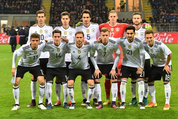Die Aufstellung der Nationalmannschaft gegen Italien (Foto AFP)