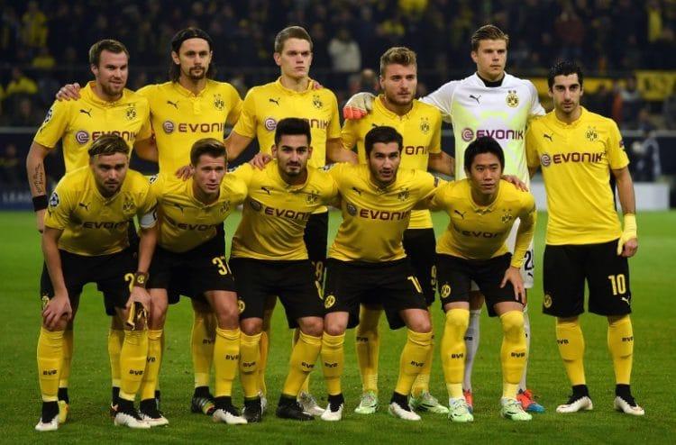 Das gelbe Trikot des BVB Borussia Dortmund am 9.Dezember 2014. AFP PHOTO / PATRIK STOLLARZ