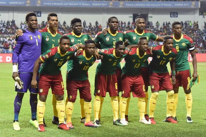 Das Gewinnertrikot und die Startelf Kameruns am 05.Februar 2017 im Afrikacup-Finale (AFP PHOTO / ISSOUF SANOGO)