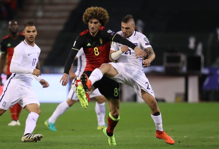 Beim letzten Aufeinandertreffen von Belgien und Griechenland am 25. März 2017 kamen beide Teams nicht über ein 1:1 Unentschieden hinaus. Hier kämpft Marouane Fellaini (L) gegen Kostas Stafylidis. AFP PHOTO / Belga / VIRGINIE LEFOUR