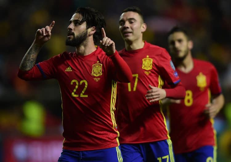 Spaniens Isco feiert sein Tor gegen Israel in der WM 2018 Qualifikation am 24.März 2017. / AFP PHOTO / MIGUEL RIOPA