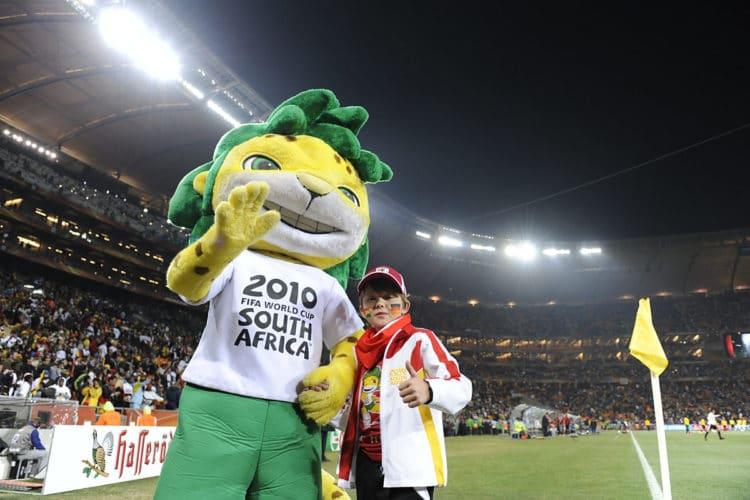 """Zakumi, das offizielle Maskottchen des """"FIFA 2010 World Cup"""". (AFP PHOTO / JOHN MACDOUGALL)"""