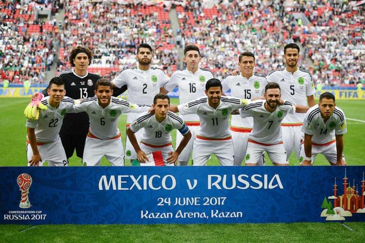 Mexikos Startaufstellung gegen Russland in der Confed Cup Vorrunde. AFP PHOTO / YURI CORTEZ
