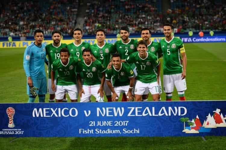 Mexikos Startelf gegen Neuseeland am 2. SPieltag des Confed-Cup 2017 in Russland. Das Spiel endete denkbar knapp mit 2:1 für Mexiko. / AFP PHOTO / YURI CORTEZ