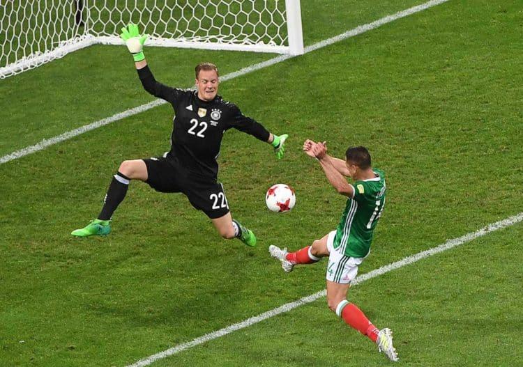 Chicharito konnte gegen Deutschland (hier: Marc-André ter Stegen im Tor) keine entscheidenden Akzente setzen. Dies soll sich im Spiel gegen Portugal ändern. Foto AFP