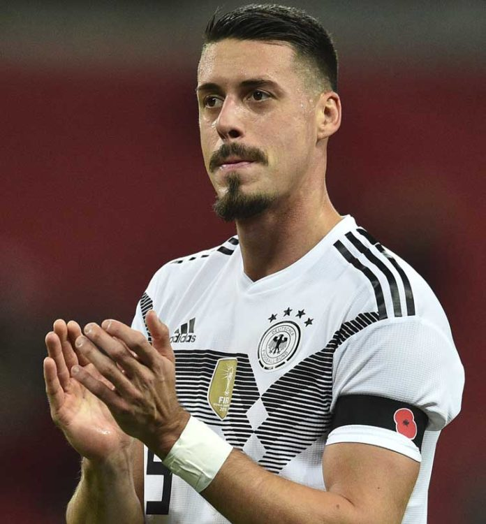 Sandro Wagner im neuen DFB Trikot 2018 zur Fußball WM 2018 in Russland. Fährt er mit zur WM 2018? (Foto AFP)