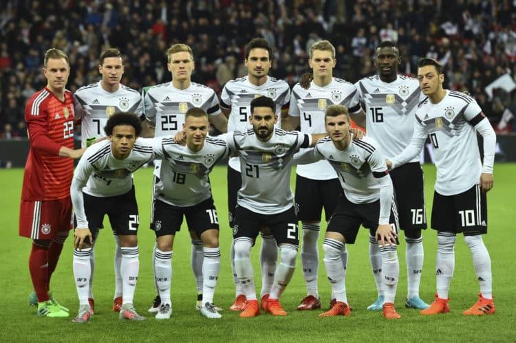 Im neuen DFB Trikot 2018: Deutschlands Startaufstellung gegen England im Wembley Stadion am 10. November 2017. Photo: AFP.
